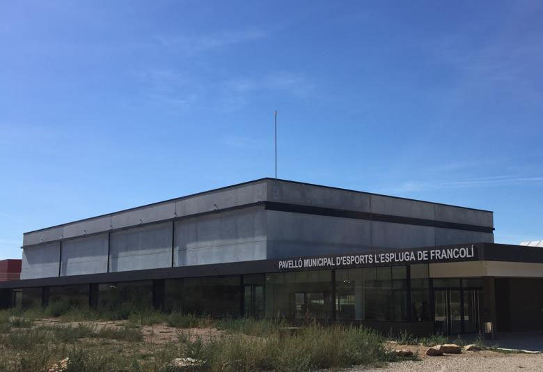 Gilabert Miró construye el Pabellón Municipal de l'Espluga de Francolí