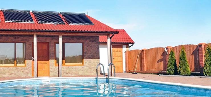 Calentar una piscina con placas solares