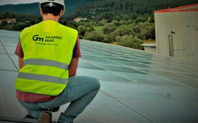 La importància de confiar en professionals amb experiència en la instal·lació de plaques fotovoltaiques.